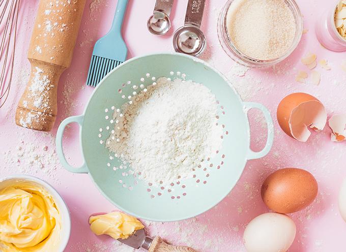 با دانستن فوت و فن کیک وانیلی کیکی بی نظیر بپزید!